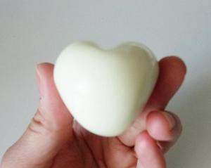 Heart egg4