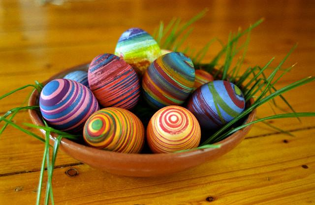 Rubberband Dyed Eggs Do It And How