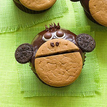 Monkey around cupcakes