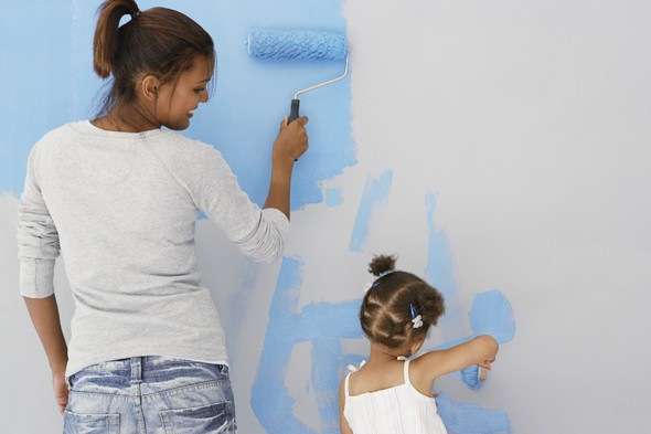 painting-walls-mother-daughter-590