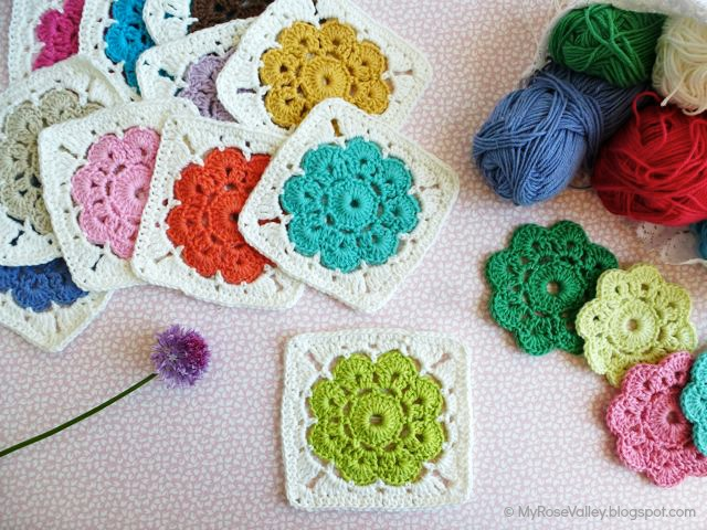 Crocheting Grandma : These are so much more beautiful than a regular granny square.
