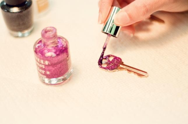 glitter key 1