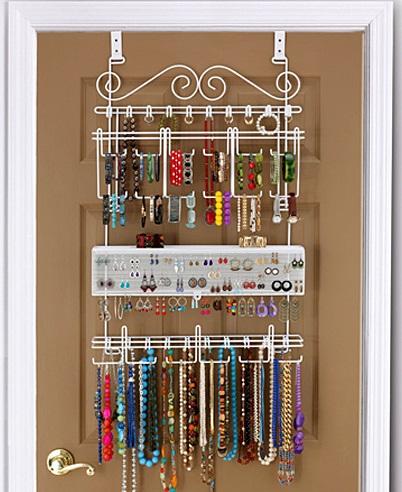 jewelry-storage-ideas-behind-door-rack