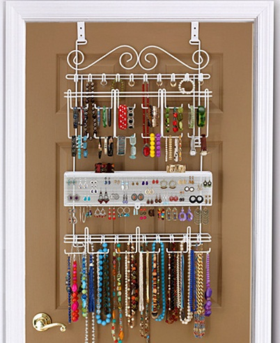 jewelry-storage-ideas-behind-door-rack