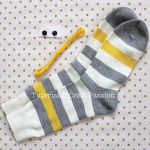 sew-sock-monkey-1