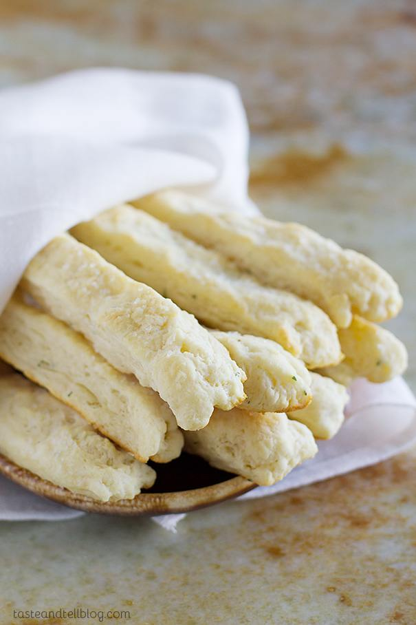 Sour-Cream-Breadstick-Recipe-Taste-and-Tell-1