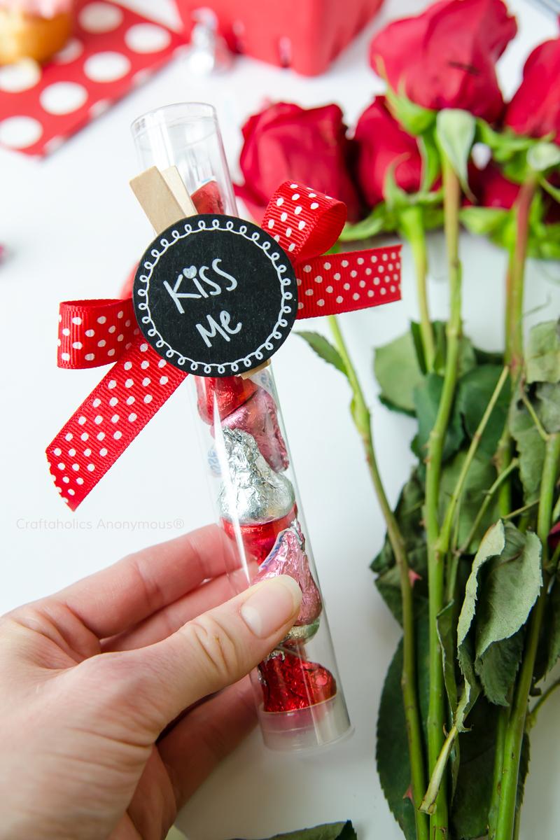 kiss-valentine-gift.jpg