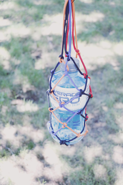 Paracord-Water-Bottle-Holder-DIY-Powerade.jpg