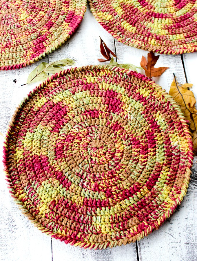 Autumn-Placemats-Free-Crochet-Pattern-3.jpg