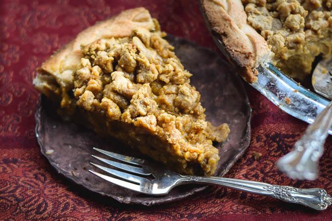 streusel-crumb-topped-classic-pumpkin-pie-3