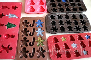 fill_candy_molds_with_hot_glue