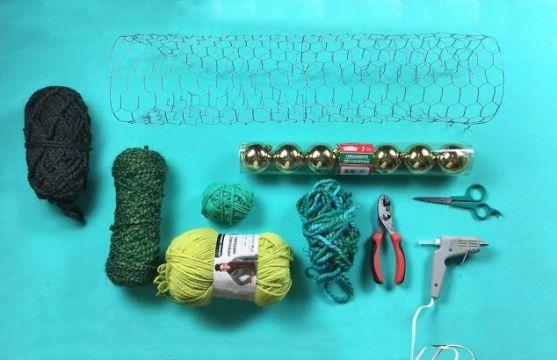 yarn-ball-ornament-tree-christmas-decorations-seasonal-holiday-decor-1
