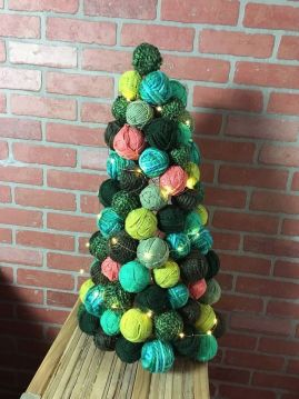 yarn-ball-ornament-tree-christmas-decorations-seasonal-holiday-decor