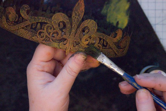 21-Rusty-Crowns-Heather-K-Tracy-for-The-Graphics-Fairy-Touches-of-Gold-Rust-Paste