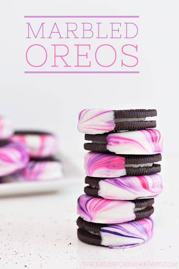 These+DIY+Marbled+Oreos+are+super+easy+to+make+and+they+look+pretty+amazing+too!+-+Sprinkles+for+Breakfast