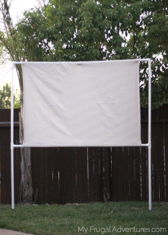 DIY-Outdoor-Movie-Screen