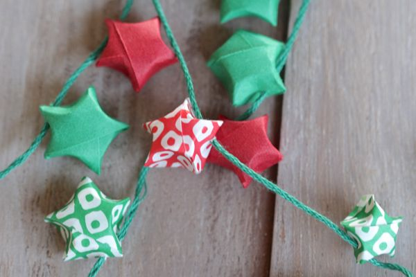 diy-origami-star-garland-at-www.alyssaandcarla.com_