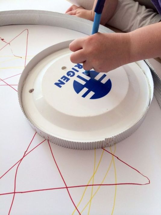 giant-diy-spirograph-art-crafts-how-to-repurposing-upcycling (1)