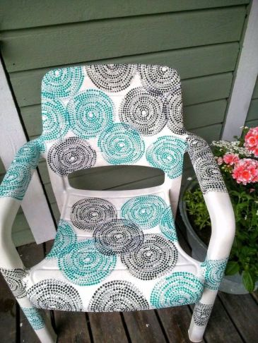 garden-chair-covered-with-ikea-napkins-decoupage-outdoor-furniture