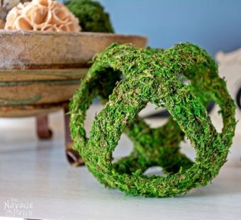 moss-balls-and-topiaries-size-does-matter-crafts-gardening