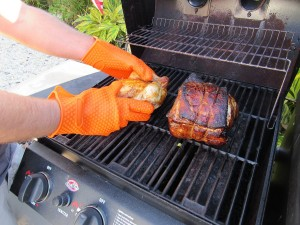 heat-resistant-bbq-gloves-silicone-gloves-300x225