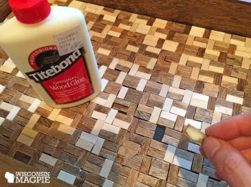 tiling-a-tray-with-popsicle-sticks-crafts-repurposing-upcycling