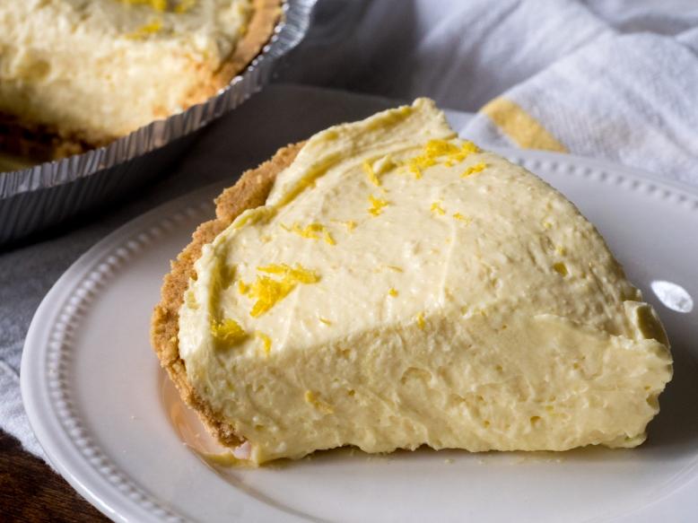 Cream-Cheese-Lemonade-Pie-Horizontal-3
