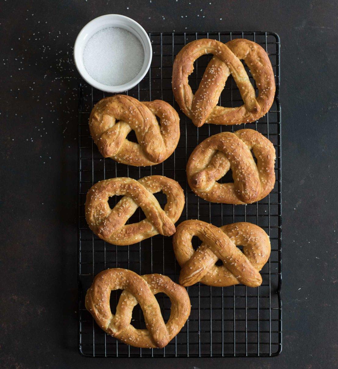homemade-jumbo-soft-pretzels-3