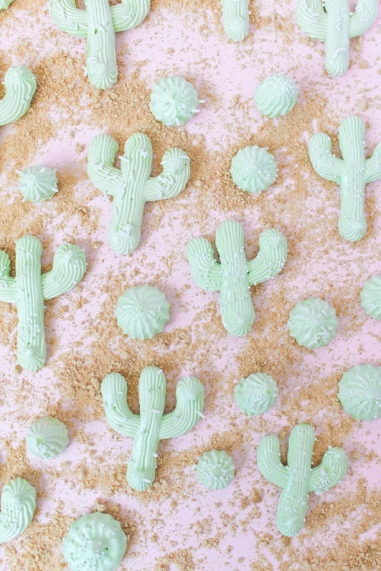simple-cactus-meringues