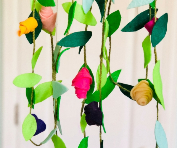 DIY-felt-flower-garland