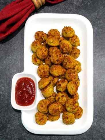 Easy-Cheesy-Zucchini-Bites-768x1024