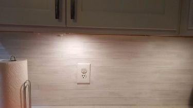 re-purpose-left-over-blind-slats-countertops-home-decor-kitchen-backsplash