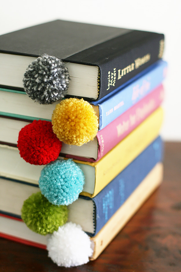 Yarn-Ball-Bookmarks.jpg