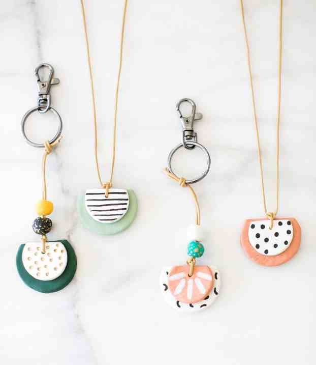 Essential-Oil-Diffuser-Necklace-1-1