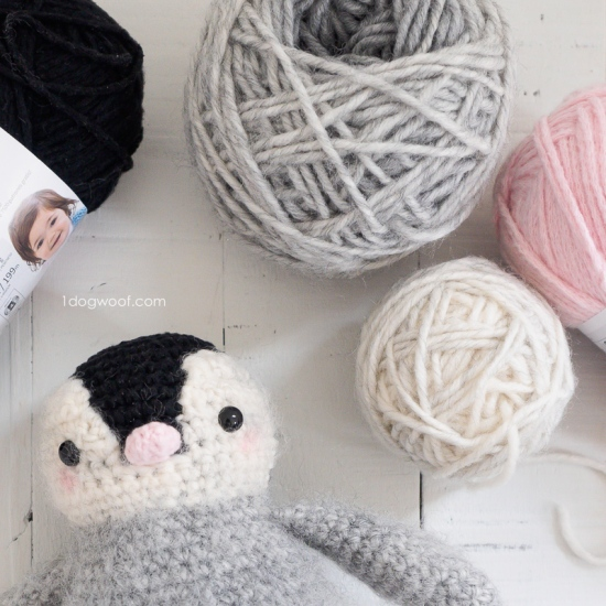 baby-penguin-yarn-cakes-1