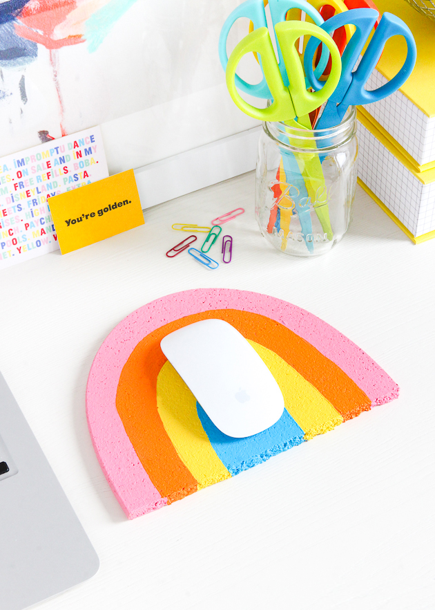 diy_rainbow_mousepad_-10.jpg