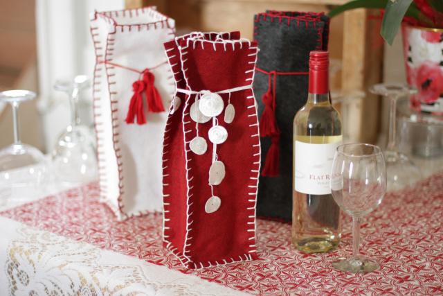 finished-red-felt-wine-bag