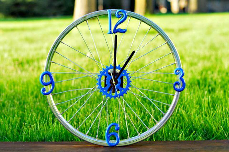 Make-A-Bicycle-Rim-Clock