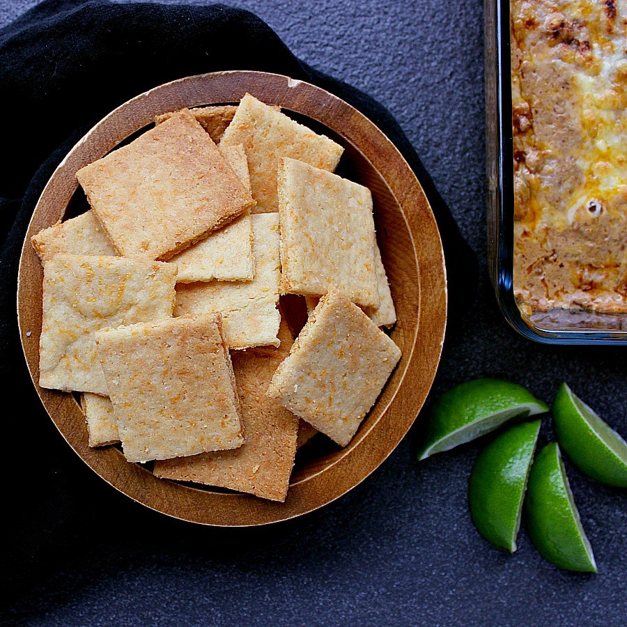 low-carb-cheese-crackers-feature-2