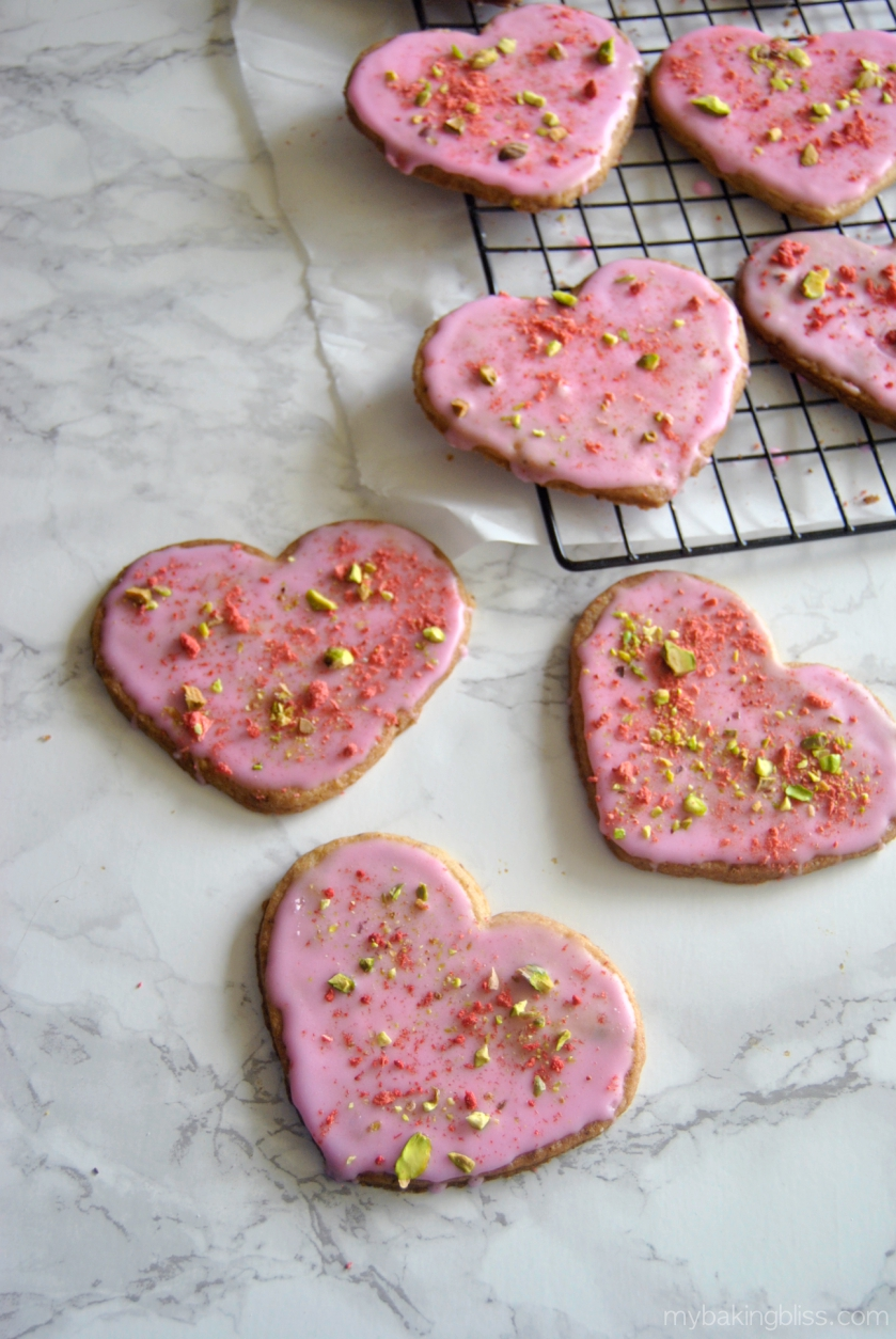 strawberry-pistachio-cookies-1