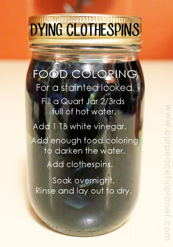 How-To-Dye-Clothespins-with-Food-Coloring