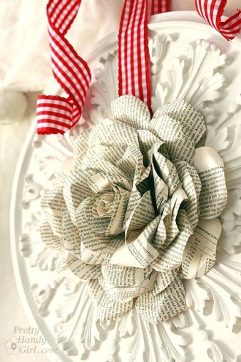 side_view_paper_rose_wreath