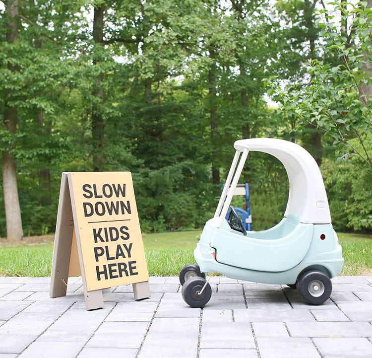 DIY-Slow-Kids-at-Play-Sign-3
