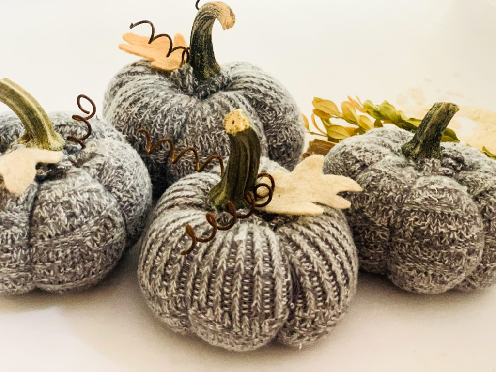fabric.pumpkins.tutorial.easy_.1-1024x768.jpg