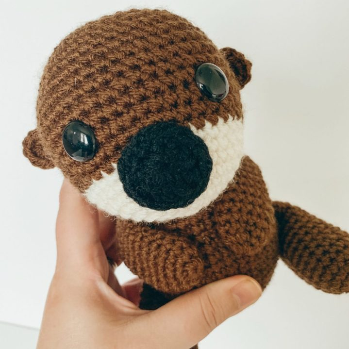 Free-Otter-Crochet-Pattern-The-Friendly-Red-Fox-1170x1170