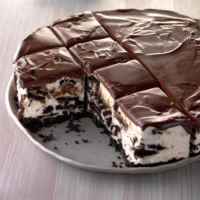 Icebox-Cookie-Cheesecake_EXPS_CMZ18_6178_C10_31_2b-696x696