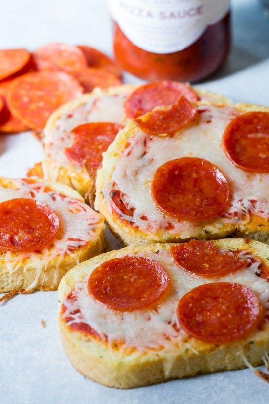Mini-Texas-Toast-Pizzas-6